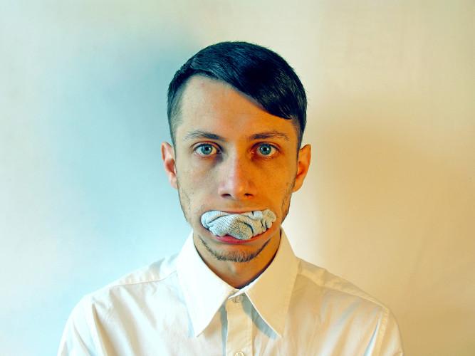 Alex-Mirutziu-Sock-face