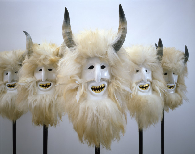Ioana-Nemes-The-white-team-Satan-2009-sheep-fur-leather-horns-gold-epoxide-lacquer-wood-5-pieces-each-170-x-26-cm-courtesy-Jiri-Svestka-Gallery-